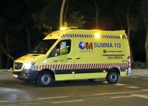 An ambulance transferring the infected nurse to the Carlos 111 Hospital
