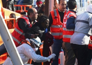 One of the rescued women arrives at the port of Almería after being picked up by the maritime rescue services (photo: EPA)