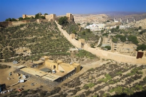 A large fortress is currently being built at the foot of the Alcazaba castle in Almería city (Photo: Juan Sánchez)