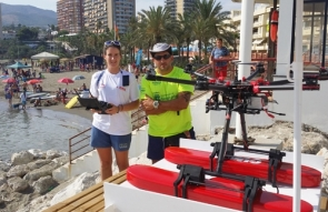 Drone pilot Inmaculada García and Benalmádena's chief lifeguard Luciano Franchi with one of the life-saving drones (Photo: O. McIntyre)