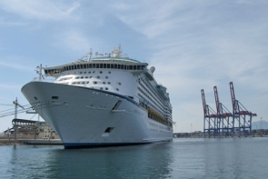 The cruise ship Adventure of the Seas during a visit to Málaga port (Photo: S. Davenport)