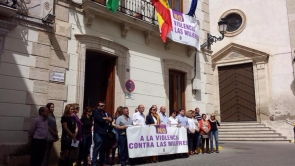 Anti-violence demonstration in Sorbas, a mark of respect to the dead woman
