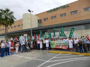 Demonstrators protesting at bed closures at Huércal Overa hospital
