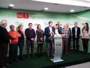 PSOE officials and members of the AUAN announcing the plan to change the criminal code over demolitions