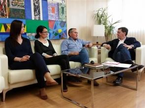 Arboleas mayor Cristóbal García (third from left) at a recent meeting with the PSOE's secretary general Jose Luis Teruel