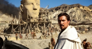 Christian Bale on the Exodus set near El Chorillo
