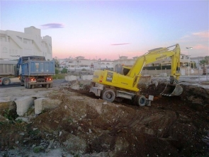 Work on the Garrucha bypass restarted this week