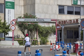 The infant was treated for multiple injuries at the Hospita Materno in Málaga