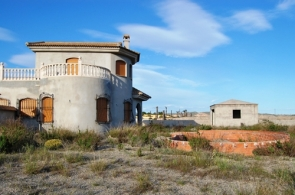 One of the unfinished homes in Las Palmeras