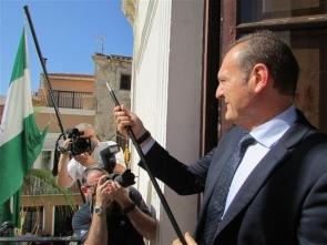 Cuevas mayor Antonio Fernández is supporting further coastal development